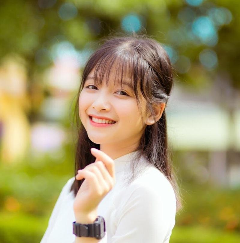 Nét đẹp dung dị của nữ sinh xứ Nghệ nổi tiếng nhờ một bức ảnh - 2
