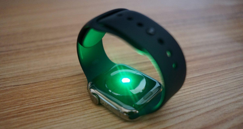 Apple Watch thế hệ mới có thể hỗ trợ phát hiện ca nhiễm Covid-19 - 1