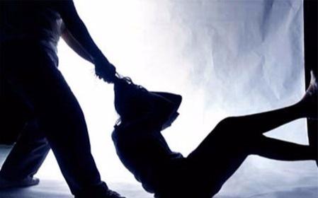 Mới yêu đã no đòn vẫn nằng nặc đòi cưới kẻ bạo hành - 1