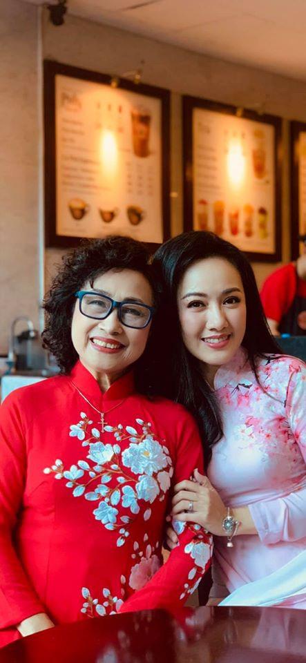 NSƯT Kim Tiến lần đầu tiết lộ về mối quan hệ với con riêng của chồng - 2