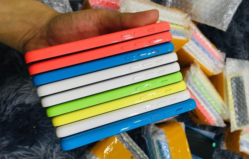 iPhone 5C giá hơn 300.000 đồng tràn lan tại Việt Nam, đừng mua - 2