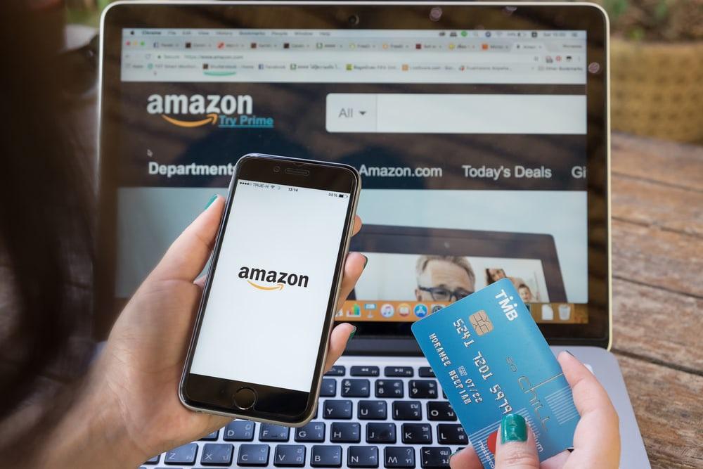 """Amazon bị tố lợi dụng dịch bệnh để bán sản phẩm thiết yếu giá """"cắt cổ"""" - 1"""