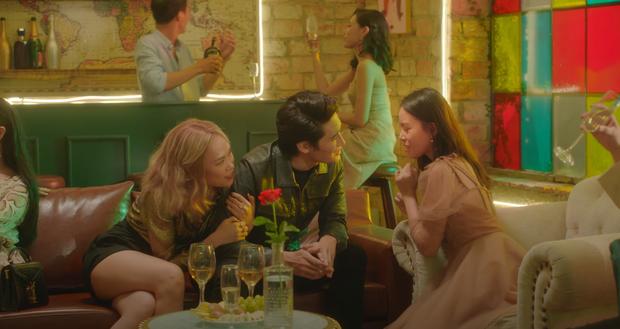 """Nam chính trong MV mới của Mỹ Tâm là """"hot boy bóng chuyền"""" cao 1m95 - 4"""