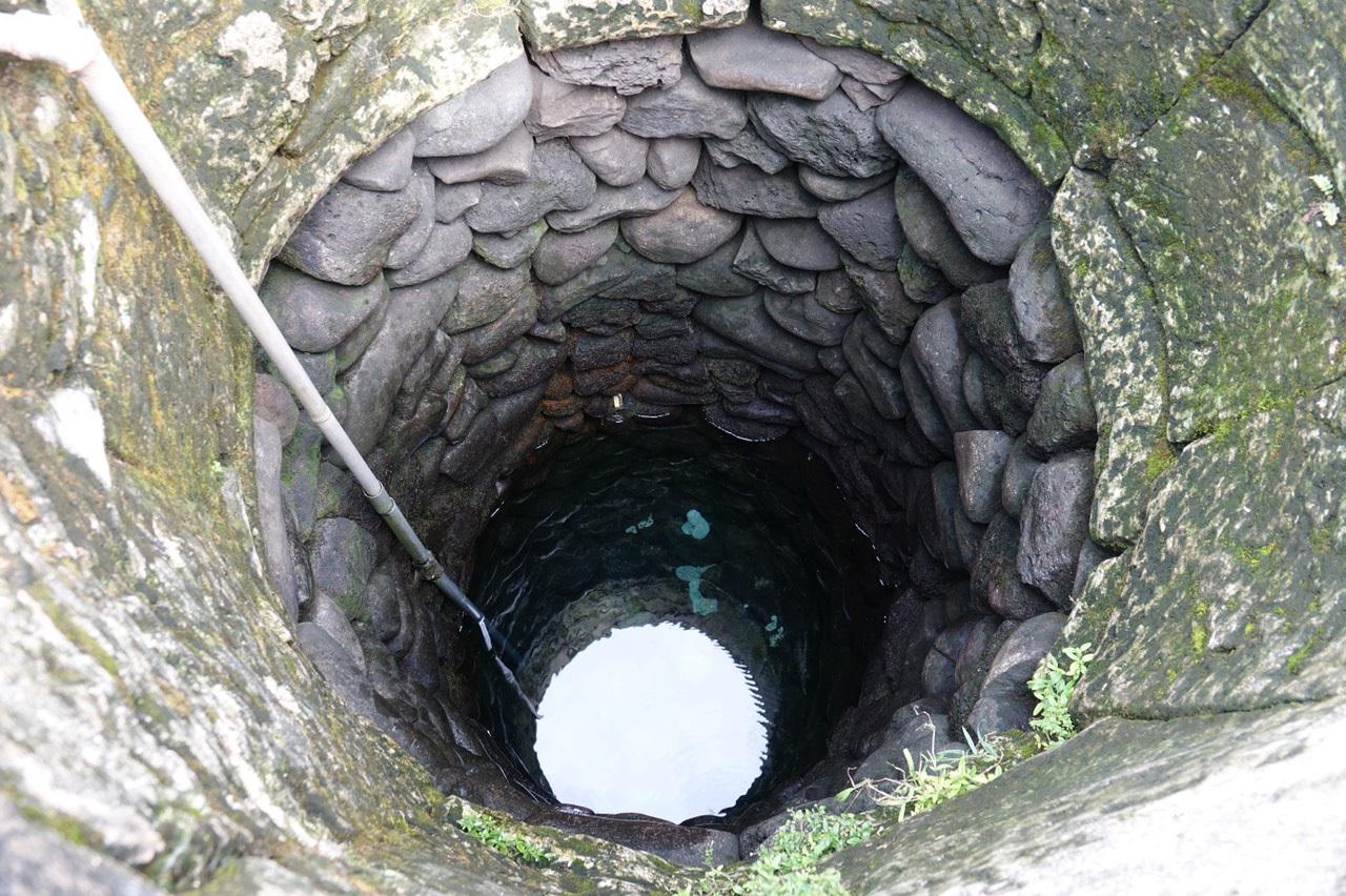 Kỳ lạ giếng cổ hàng trăm năm tuổi, quanh năm không cạn nước ở Quảng Ngãi - 2