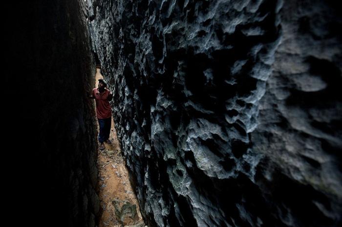 Ớn lạnh khu rừng đá sắc như lưỡi dao – nơi hiểm trở bậc nhất thế giới - 4
