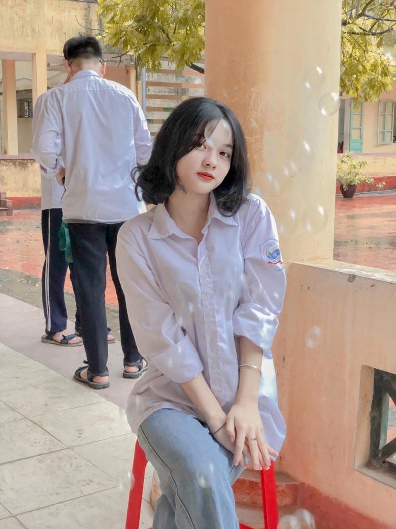 Nữ thần đồng phục mới nổi ở Bắc Giang - 2