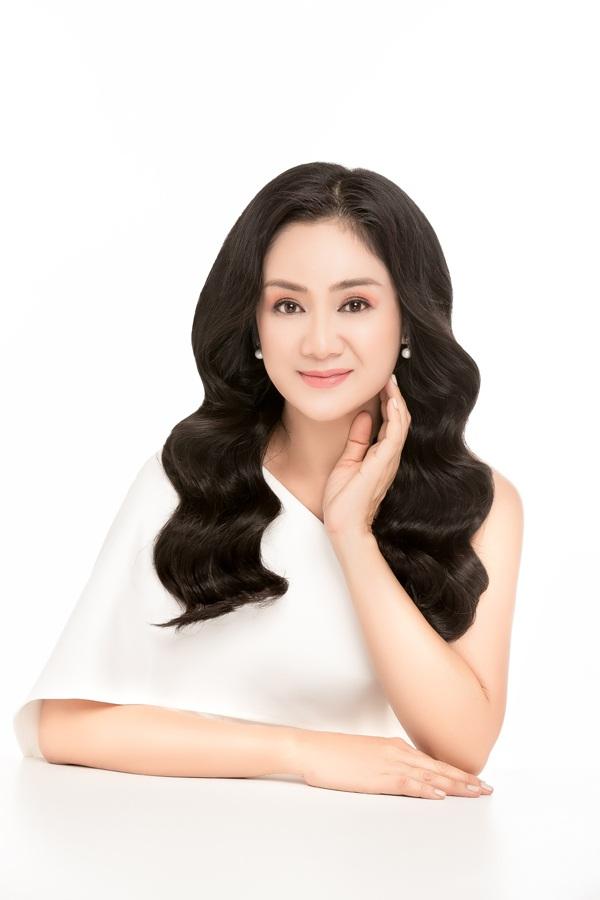 NSND Thu Hà được đồng nghiệp trầm trồ khen biểu tượng nhan sắc Việt - 4