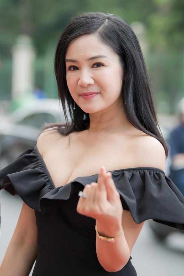 NSND Thu Hà được đồng nghiệp trầm trồ khen biểu tượng nhan sắc Việt - 5