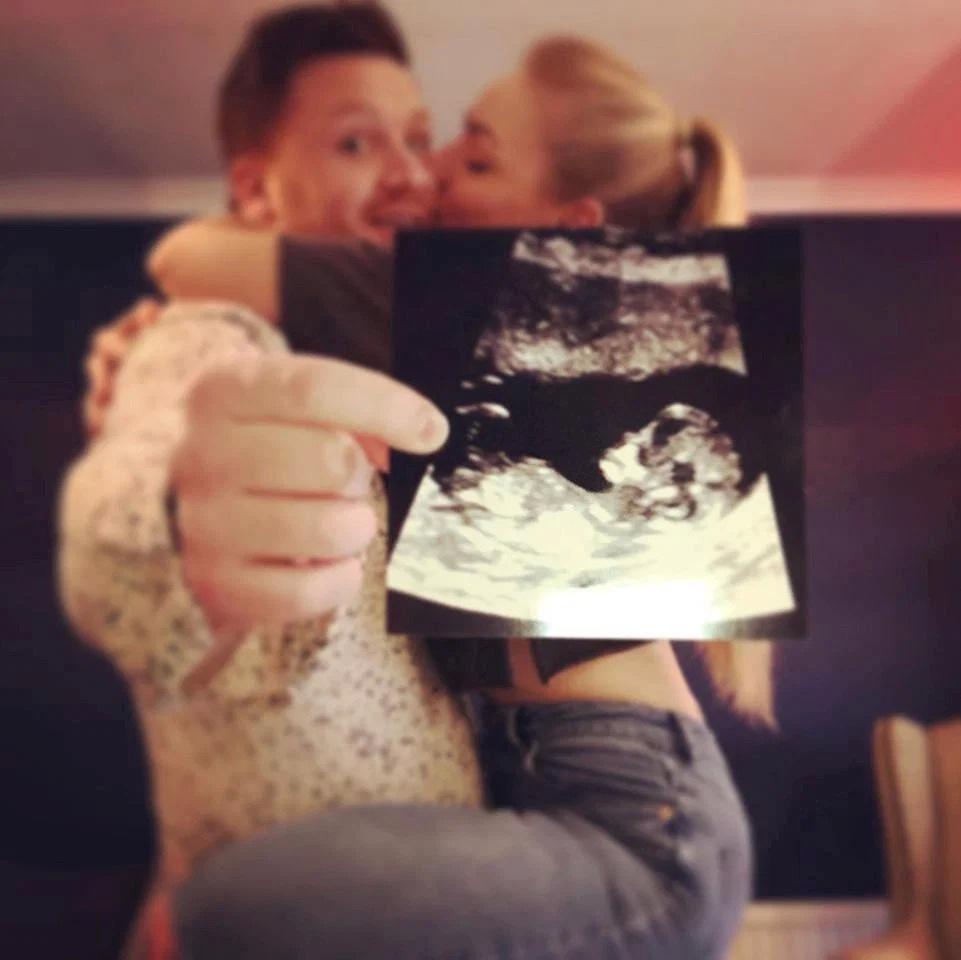 Niềm hạnh phúc làm mẹ của người phụ nữ sinh ra trong bụng mẹ - 2
