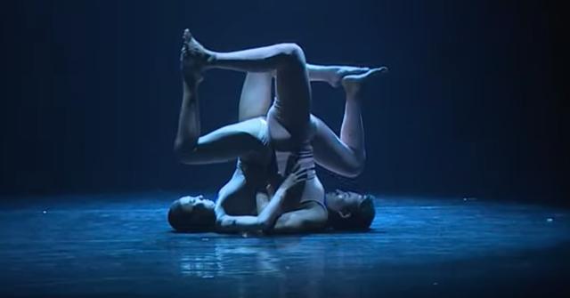 """Thu hồi giải Nhì tài năng múa của Thạch Hiểu Lăng vì bị tố """"đạo nhái"""" - 1"""