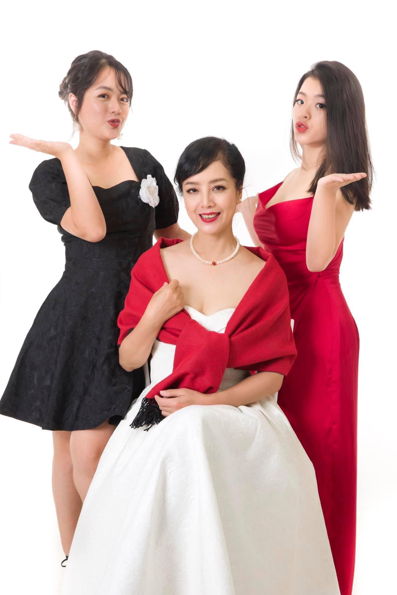Con gái NSƯT Chiều Xuân: Mẹ rất khó chịu khi tôi có bạn trai ở tuổi 16 - Ảnh 4.