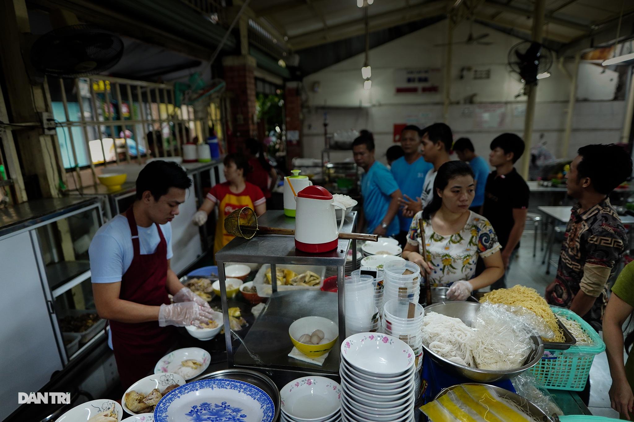 5 quán ăn ngon trứ danh tồn tại hơn 50 năm ở Sài Gòn - 1