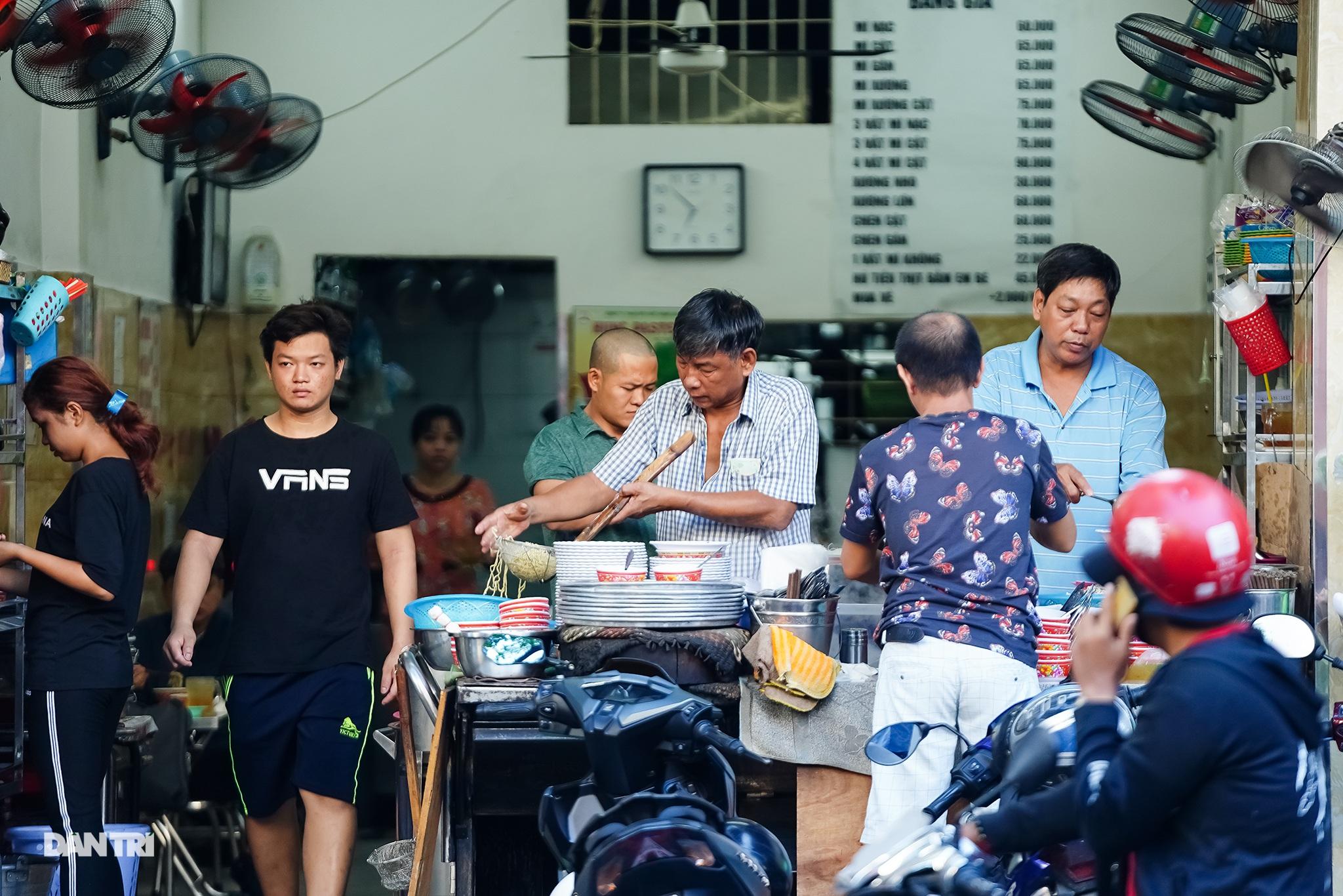 5 quán ăn ngon trứ danh tồn tại hơn 50 năm ở Sài Gòn - 16
