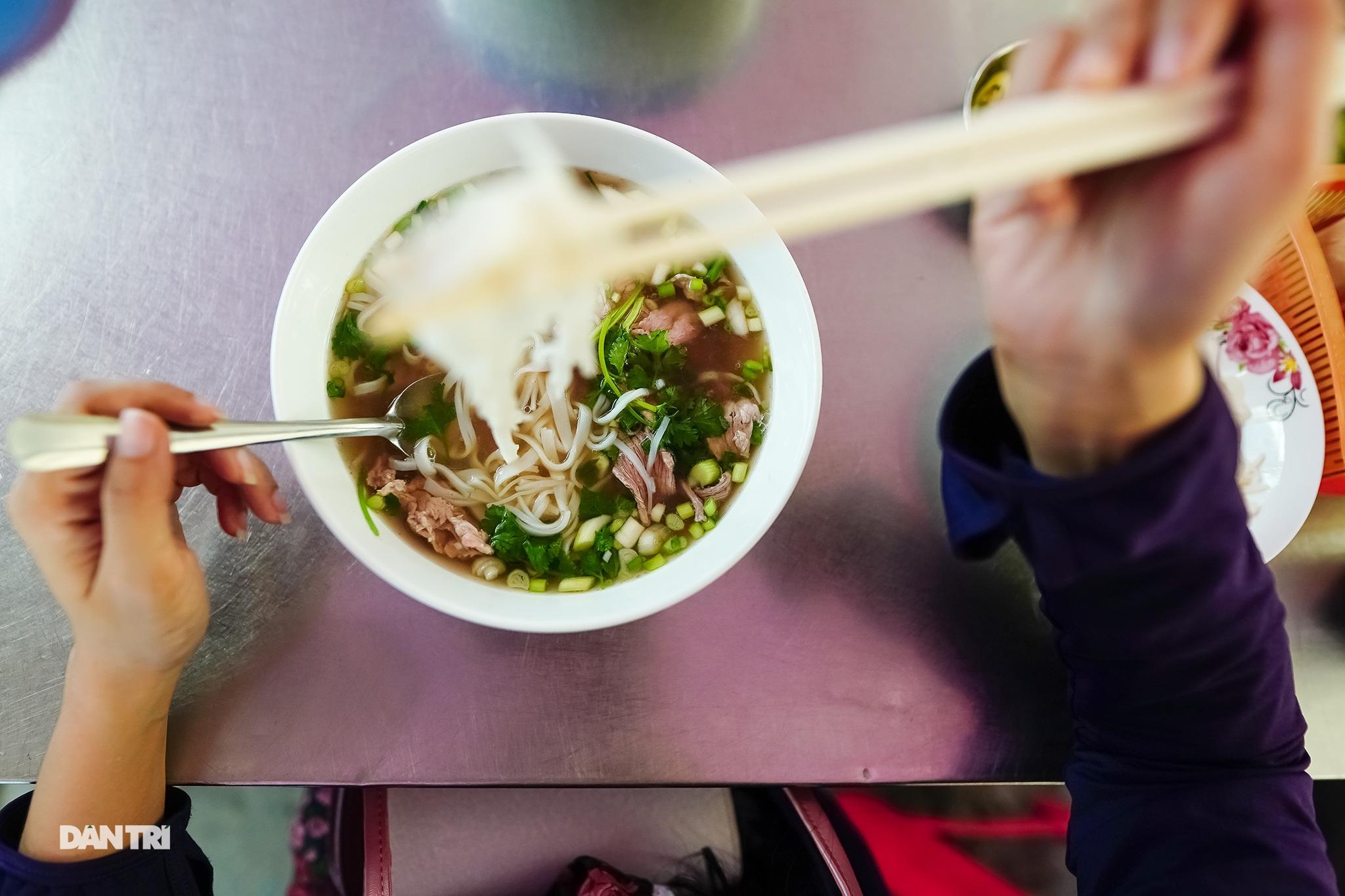 5 quán ăn ngon trứ danh tồn tại hơn 50 năm ở Sài Gòn - 20