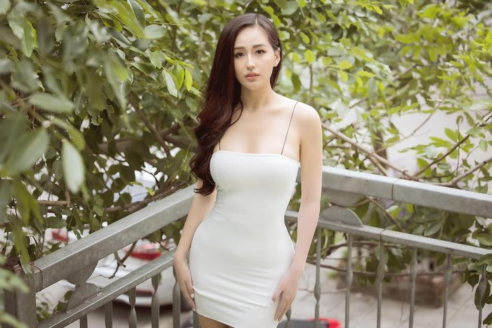 Người đẹp Việt điêu đứng vì thị phi sau khi đăng quang Hoa hậu - 2