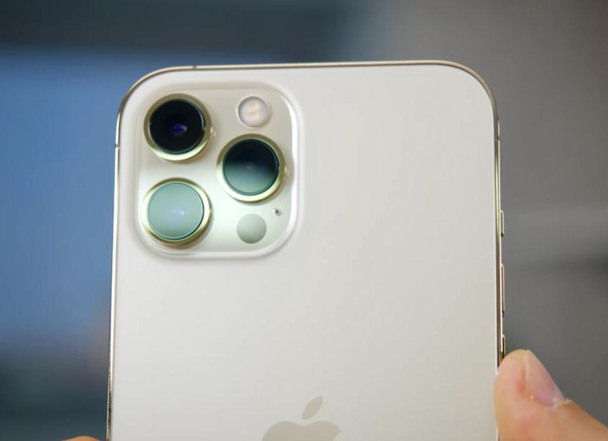 Sản xuất ngày đêm, Apple vẫn không đủ iPhone đáp ứng fan cuồng - 1