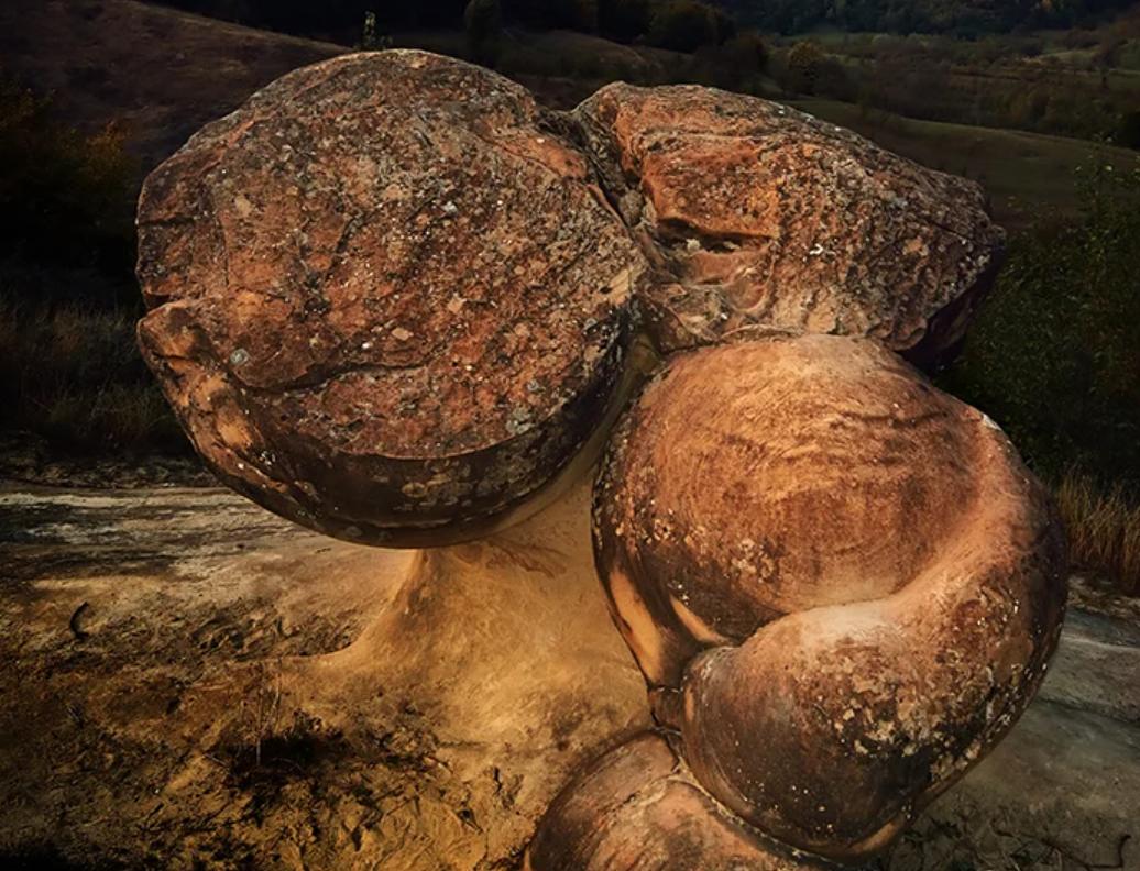 Bí ẩn những viên đá sống ở Romania - 2