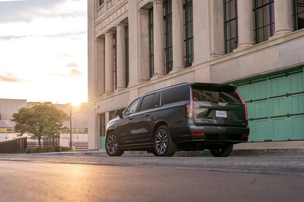 Người Mỹ chọn mua hàng khủng Cadillac Escalade như thế nào? - 3