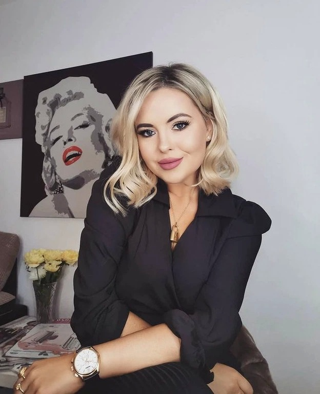 Cô gái xinh đẹp trải lòng chuyện bị dọa tung clip sex - 1