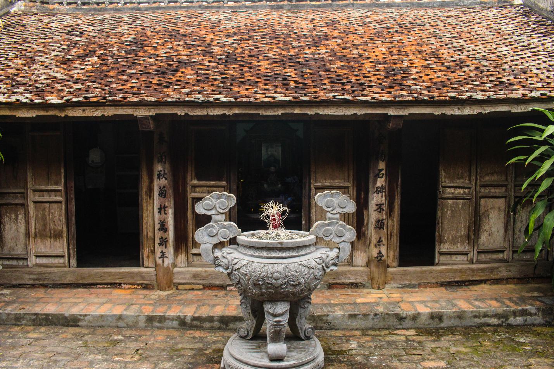 Nhà gỗ trăm tuổi chứa nhiều cổ vật quý của vị quan triều Nguyễn ở Hà Nam - 1