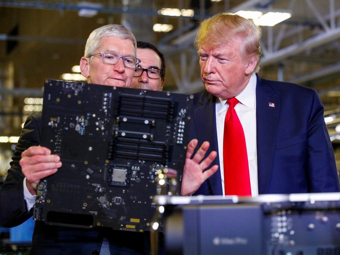 Chiếc máy tính trị giá gần 140 triệu đồng được CEO Apple tặng ông Trump - 1