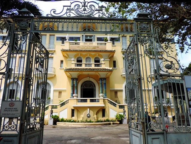 Những dinh thự hoành tráng của 3 đại gia giàu có bậc nhất Nam Bộ xưa - 4