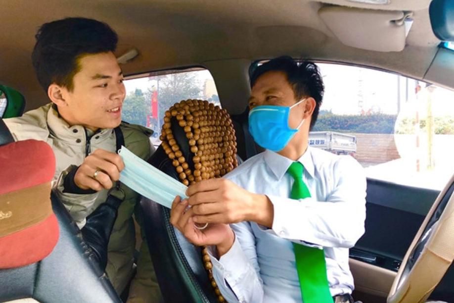 Di chuyển bằng ô tô, làm thế nào để phòng tránh lây nhiễm Covid-19? - 1