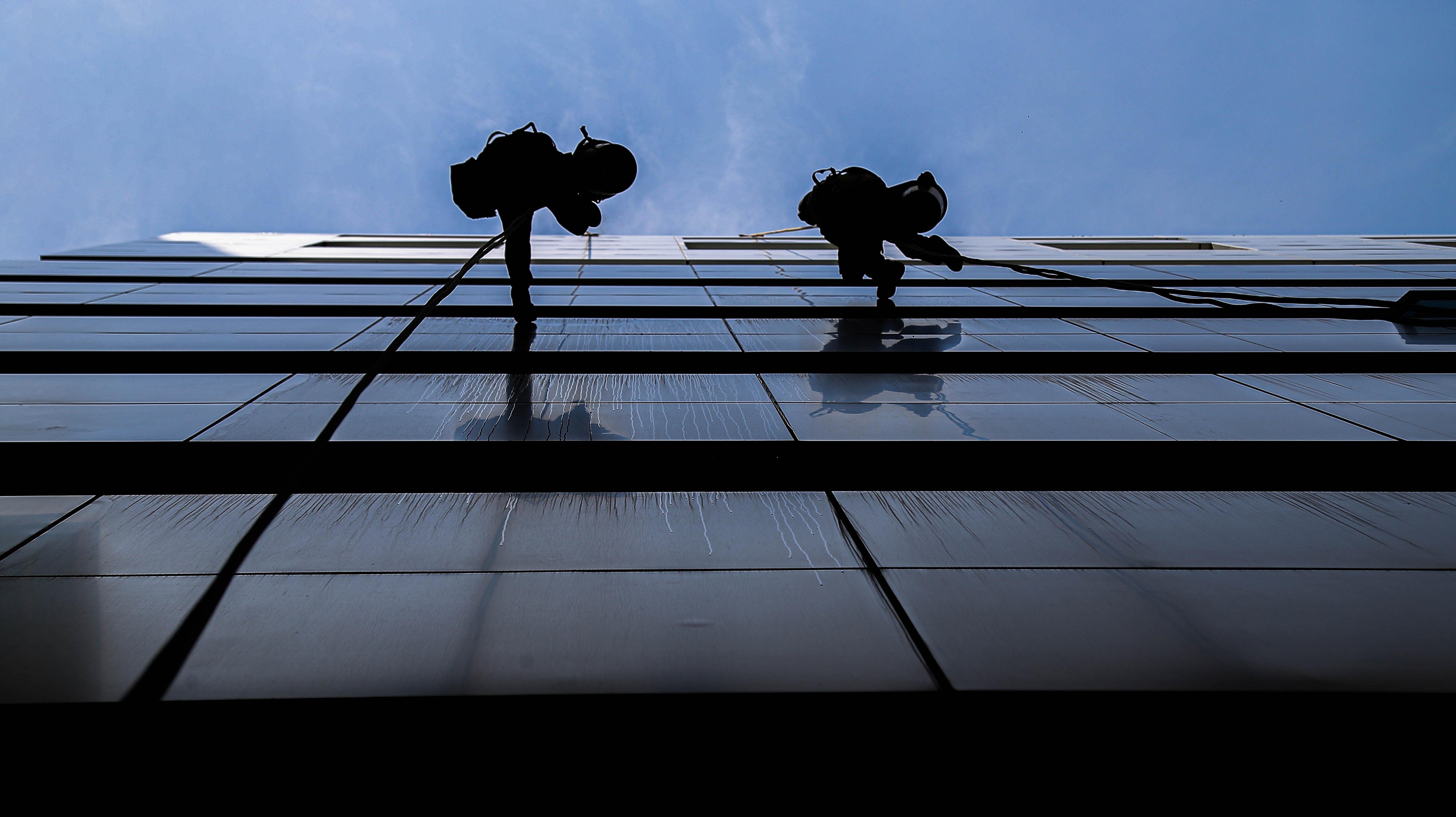Bán mạng lau kính cao ốc kiếm bạc triệu mỗi ngày - 10