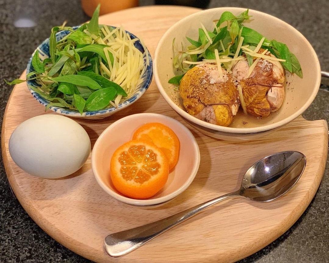 Món ăn là đặc sản của người Việt nhưng khiến khách Tây khóc thét - 1