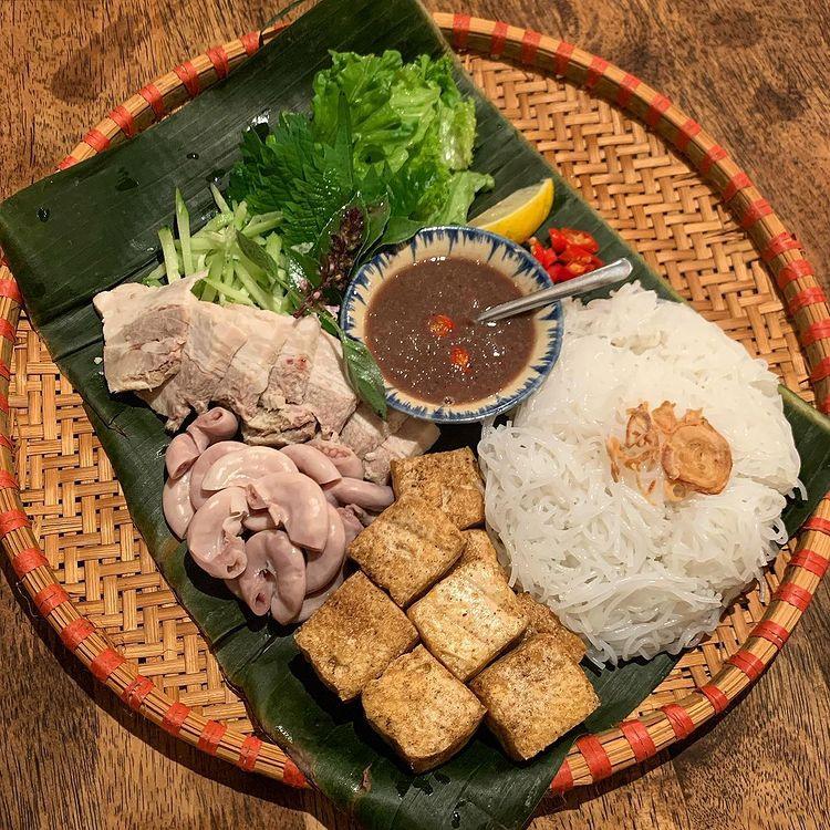 Món ăn là đặc sản của người Việt nhưng khiến khách Tây khóc thét - 3