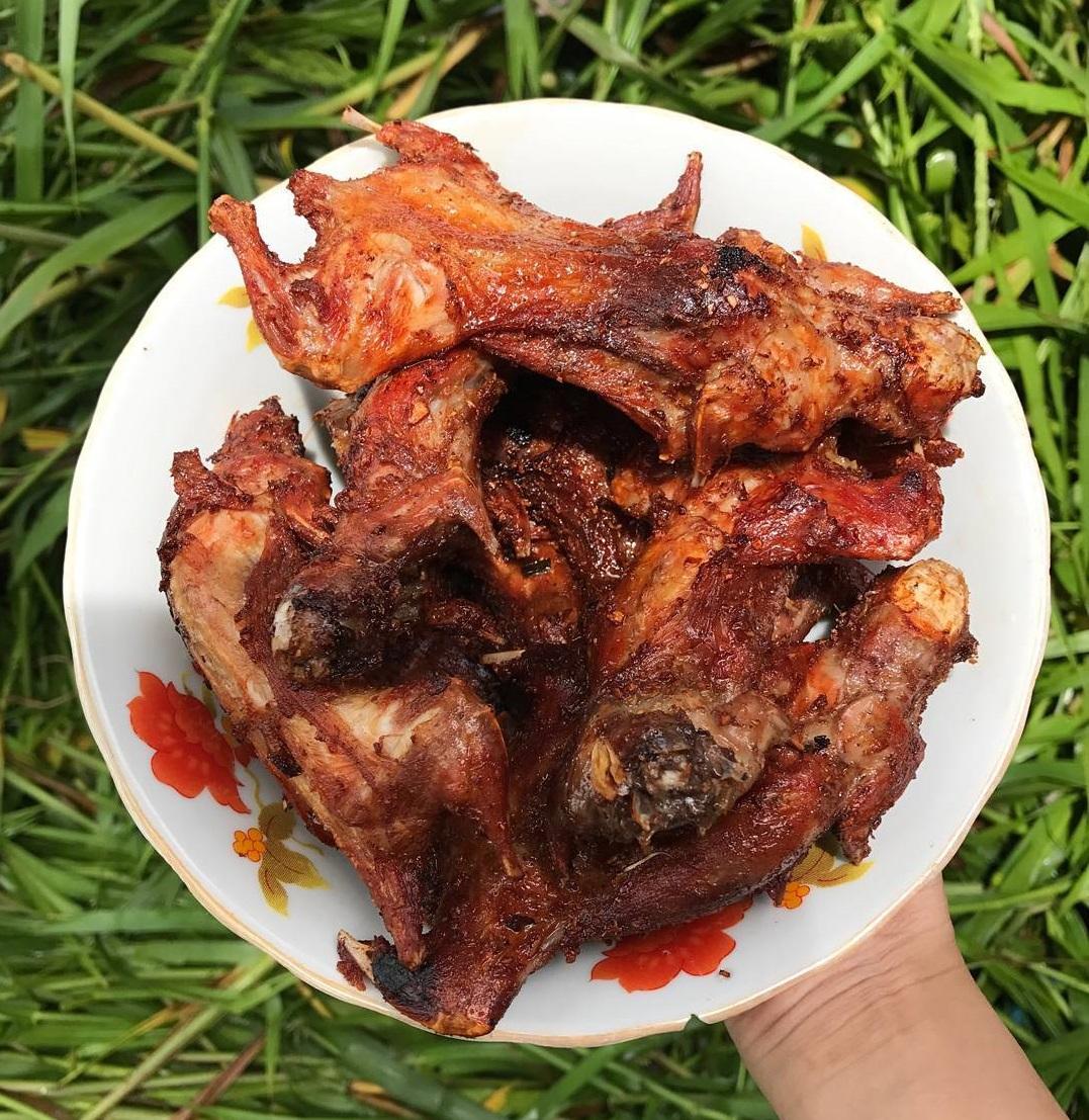 Món ăn là đặc sản của người Việt nhưng khiến khách Tây khóc thét - 7