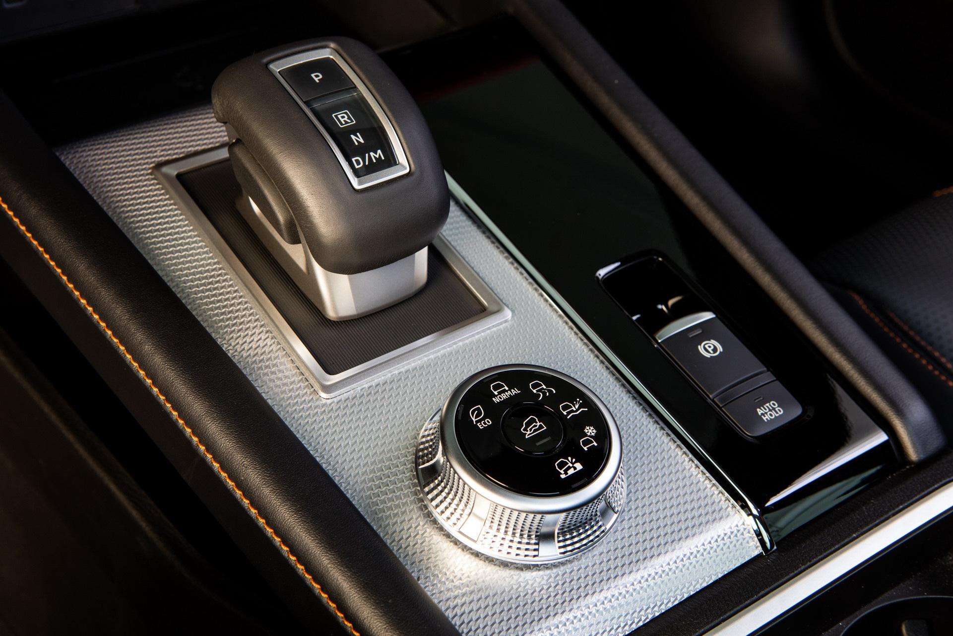 Mitsubishi Outlander 2022 ghi điểm về thiết kế, bị trừ điểm động cơ - 6