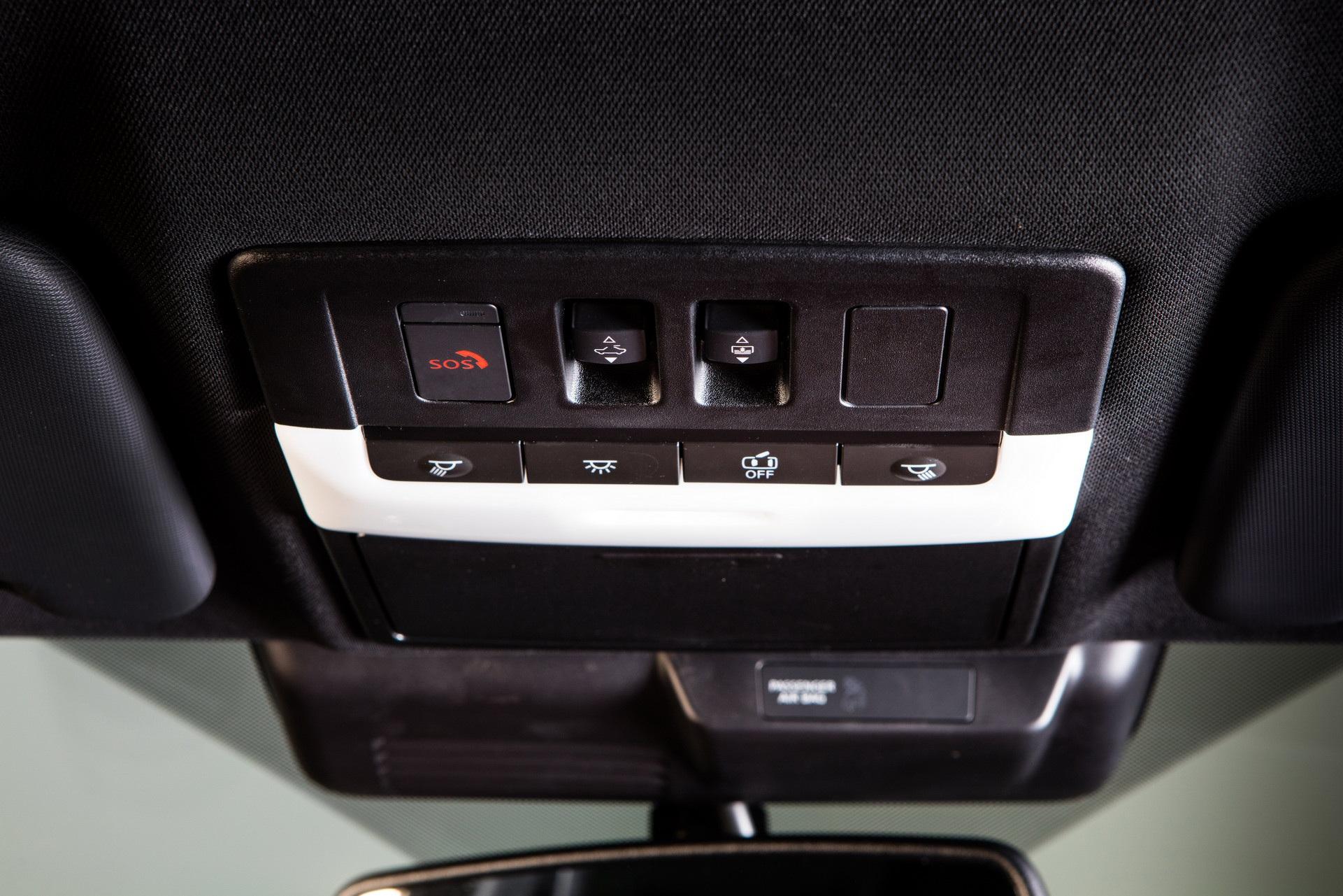 Mitsubishi Outlander 2022 ghi điểm về thiết kế, bị trừ điểm động cơ - 37