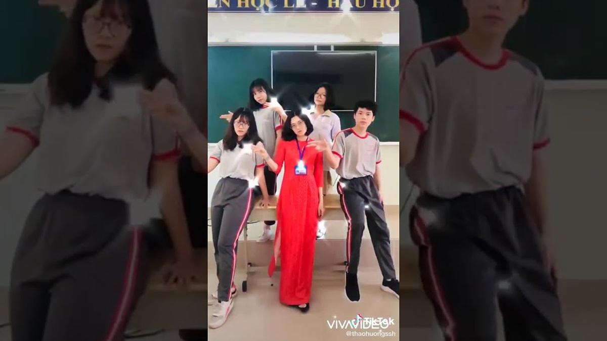 Những thầy cô giáo triệu view nhờ dạy học trực tuyến mùa dịch - 2