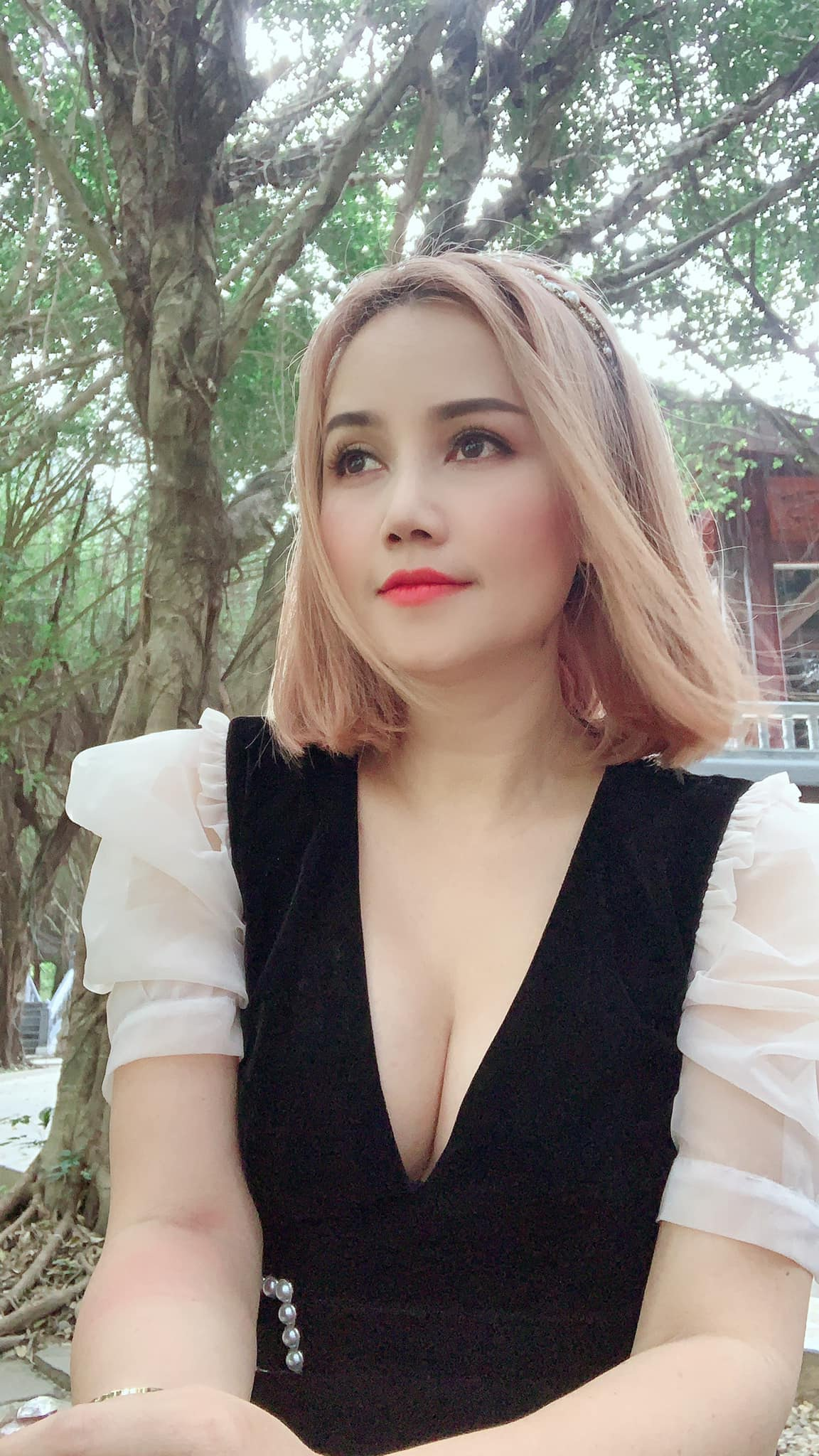 Cô Xuyến Hoàng Yến phẫu thuật thẩm mỹ hậu ly hôn người chồng thứ tư - 5