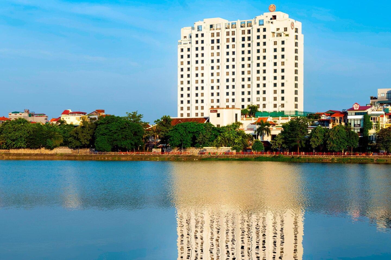 Khách sạn Sheraton Hà Nội: Doanh thu thụt lùi cả thập kỷ - 3