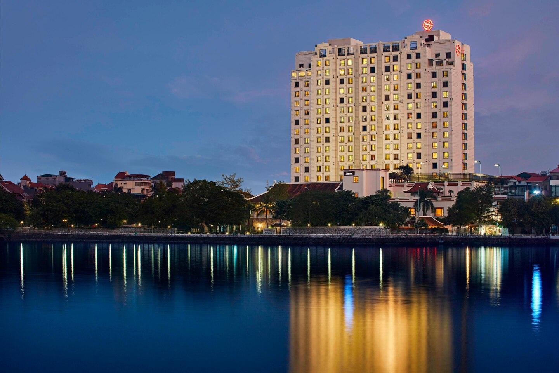 Khách sạn Sheraton Hà Nội: Doanh thu thụt lùi cả thập kỷ - 4