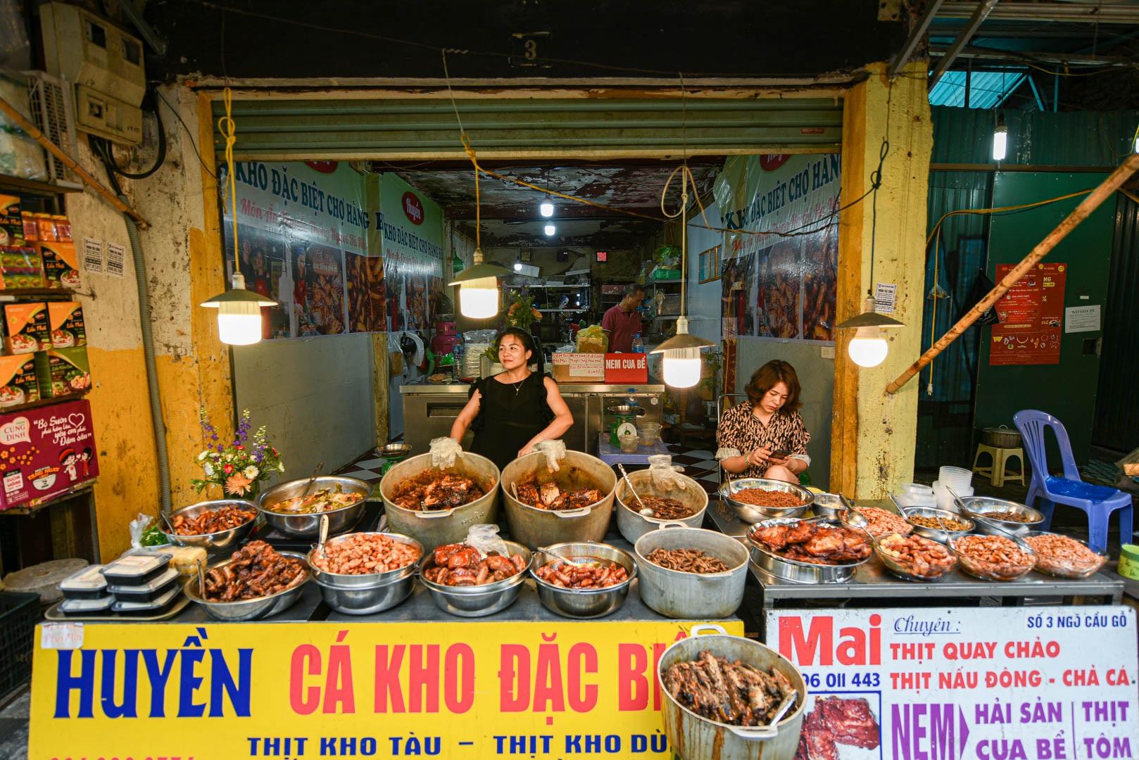 Khu chợ nhà giàu ở Hà Nội, ngày bán hàng trăm cân cá kho - 2