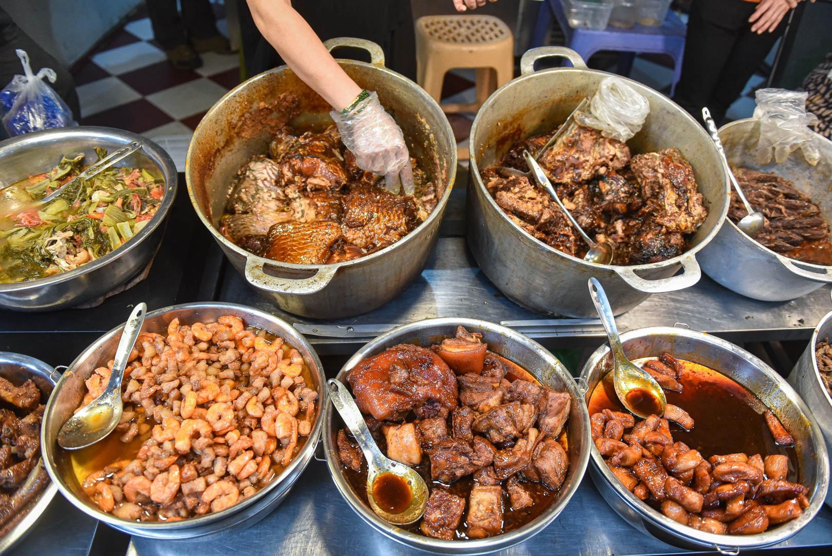 Khu chợ nhà giàu ở Hà Nội, ngày bán hàng trăm cân cá kho - 7