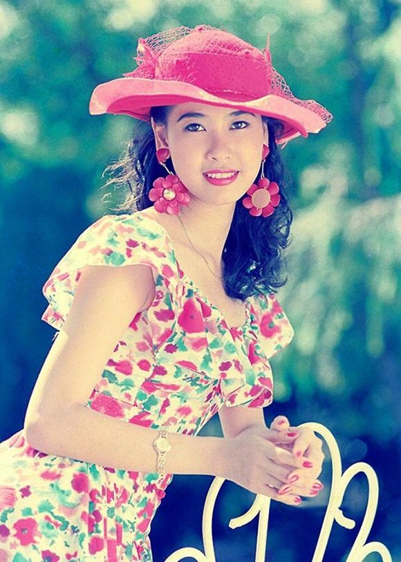 Cuộc sống sang chảnh, hạnh phúc của những hoa hậu Việt đông con - 10