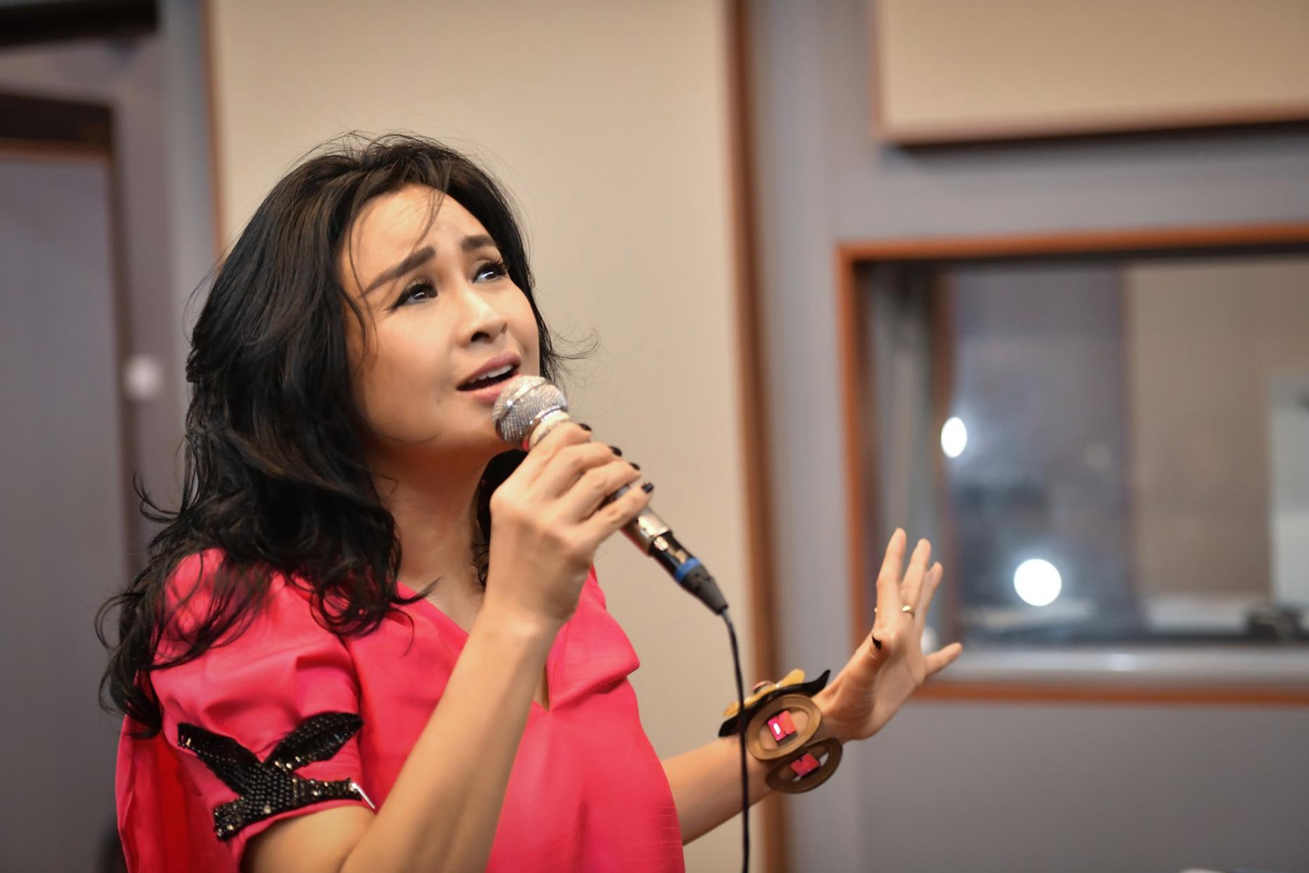 Diva Thanh Lam: Yêu bác sĩ Tiến Hùng, tôi đã khóc nhiều lần… - 2