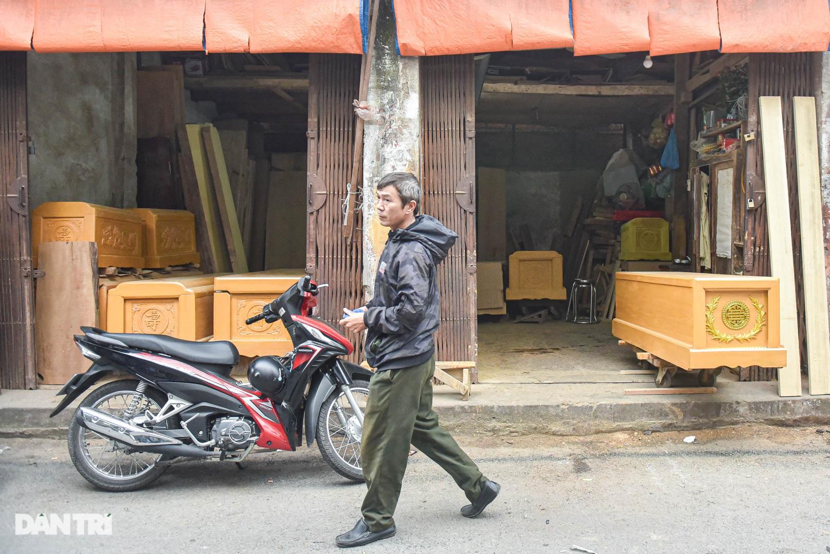 Khu chợ có cái tên độc, lạ bán đủ loại thượng vàng, hạ cám ở Hà Nội - 6