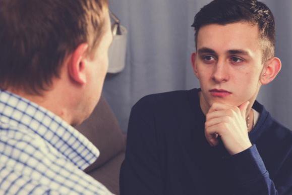 Người cha gay, người con thẳng, và cuộc trò chuyện về giới tính - 1