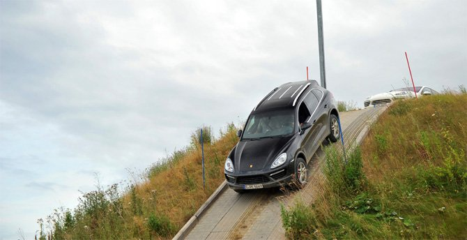 Lái ô tô leo dốc và đổ đèo an toàn - Kỹ năng mọi tài xế cần nắm - 2