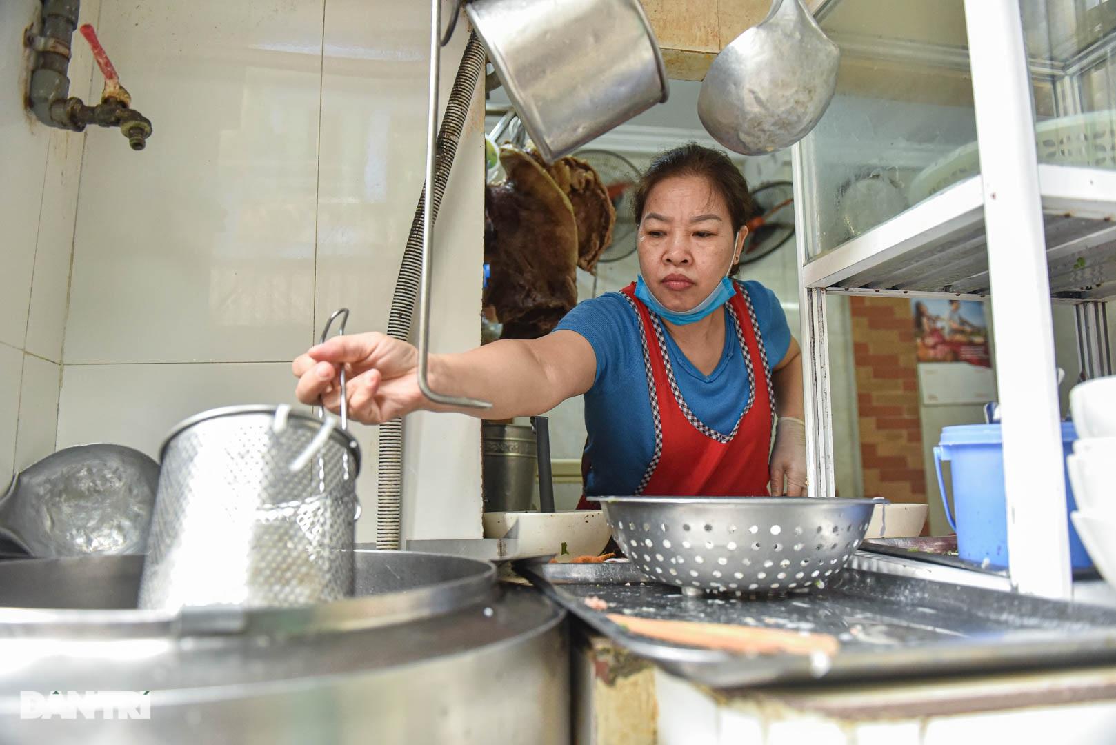 5 quán phở hút khách bậc nhất Hà Nội: Đã ngon, tên còn cực độc - 7