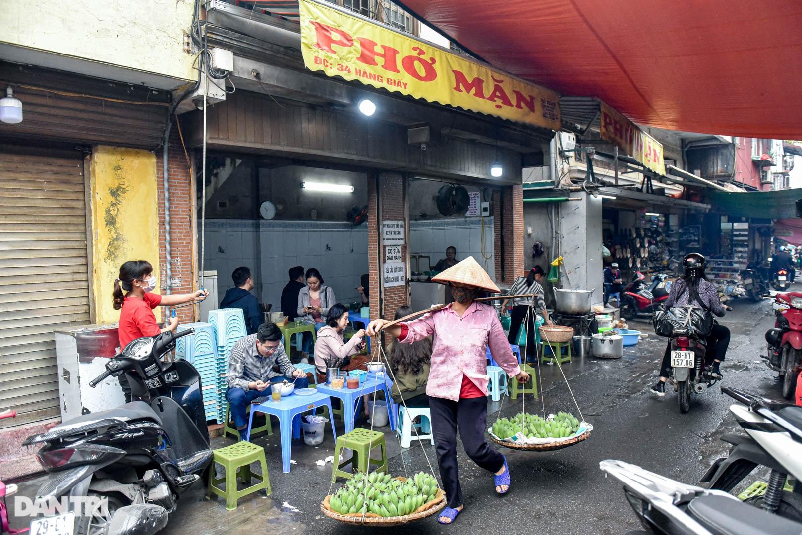 5 quán phở hút khách bậc nhất Hà Nội: Đã ngon, tên còn cực độc - 10