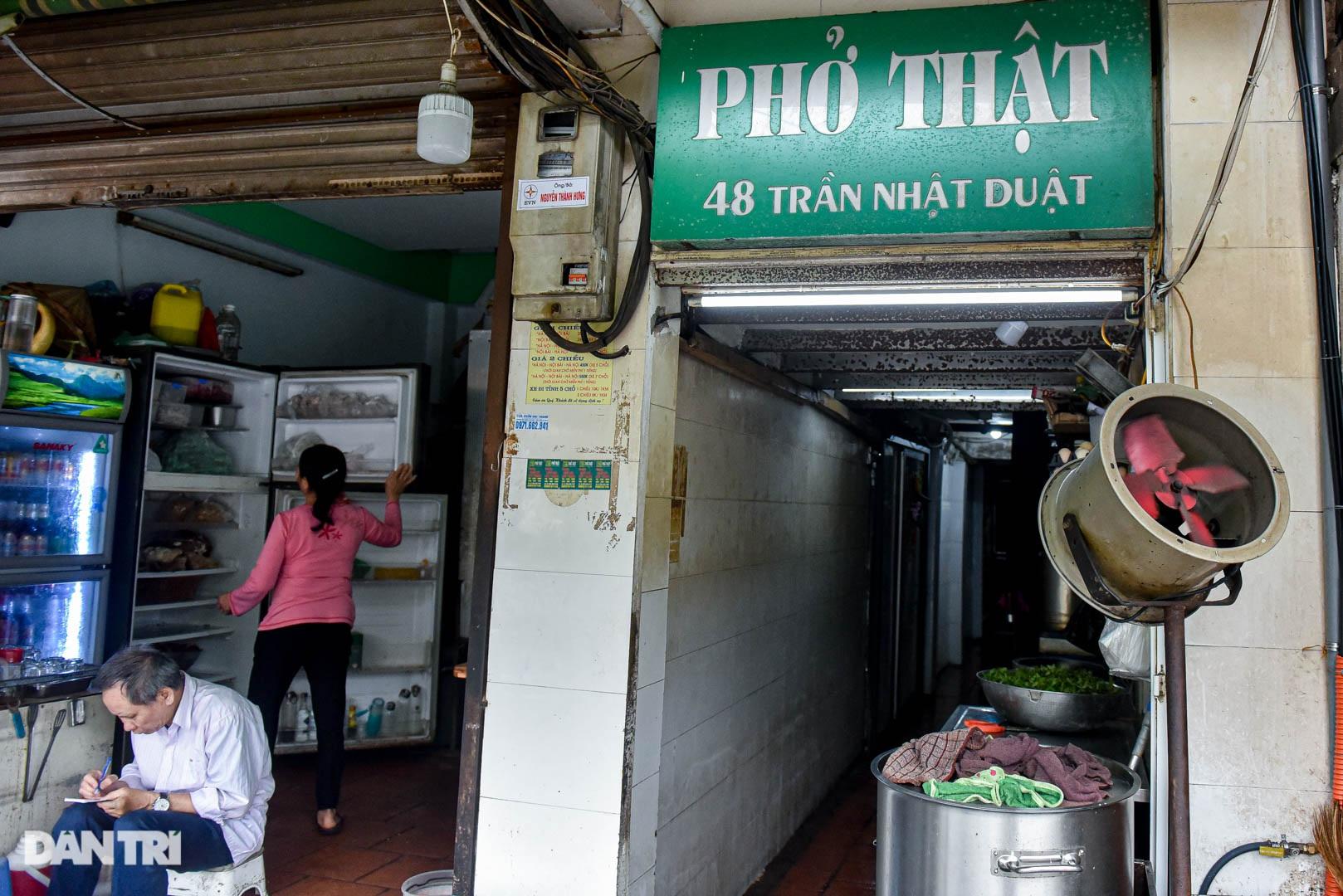 5 quán phở hút khách bậc nhất Hà Nội: Đã ngon, tên còn cực độc - 9