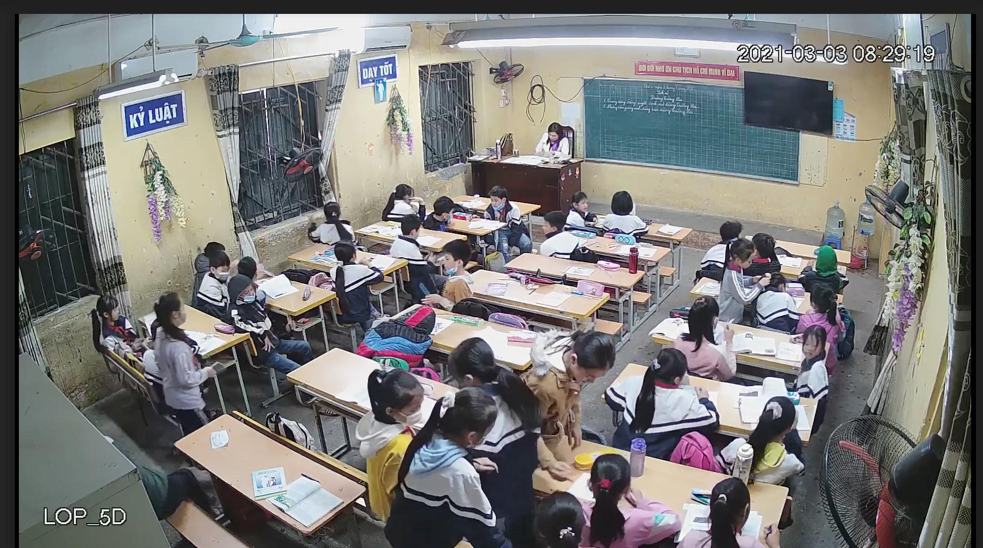 Vụ cô giáo bị trù dập vì tố tiêu cực: Lá đơn dài 13 trang, cô giáo nói gì? - 2