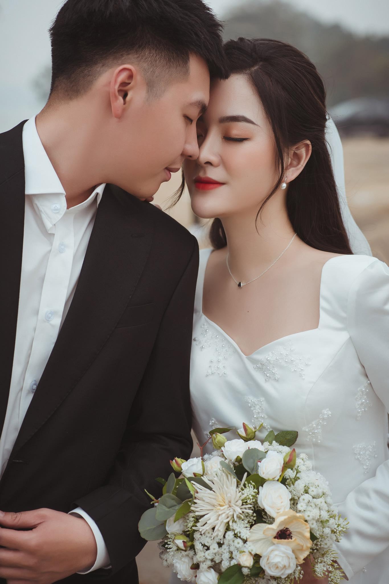 Cô dâu 9X xinh đẹp đeo vàng trĩu cổ, kín tay trong ngày cưới gây sốt mạng - 4