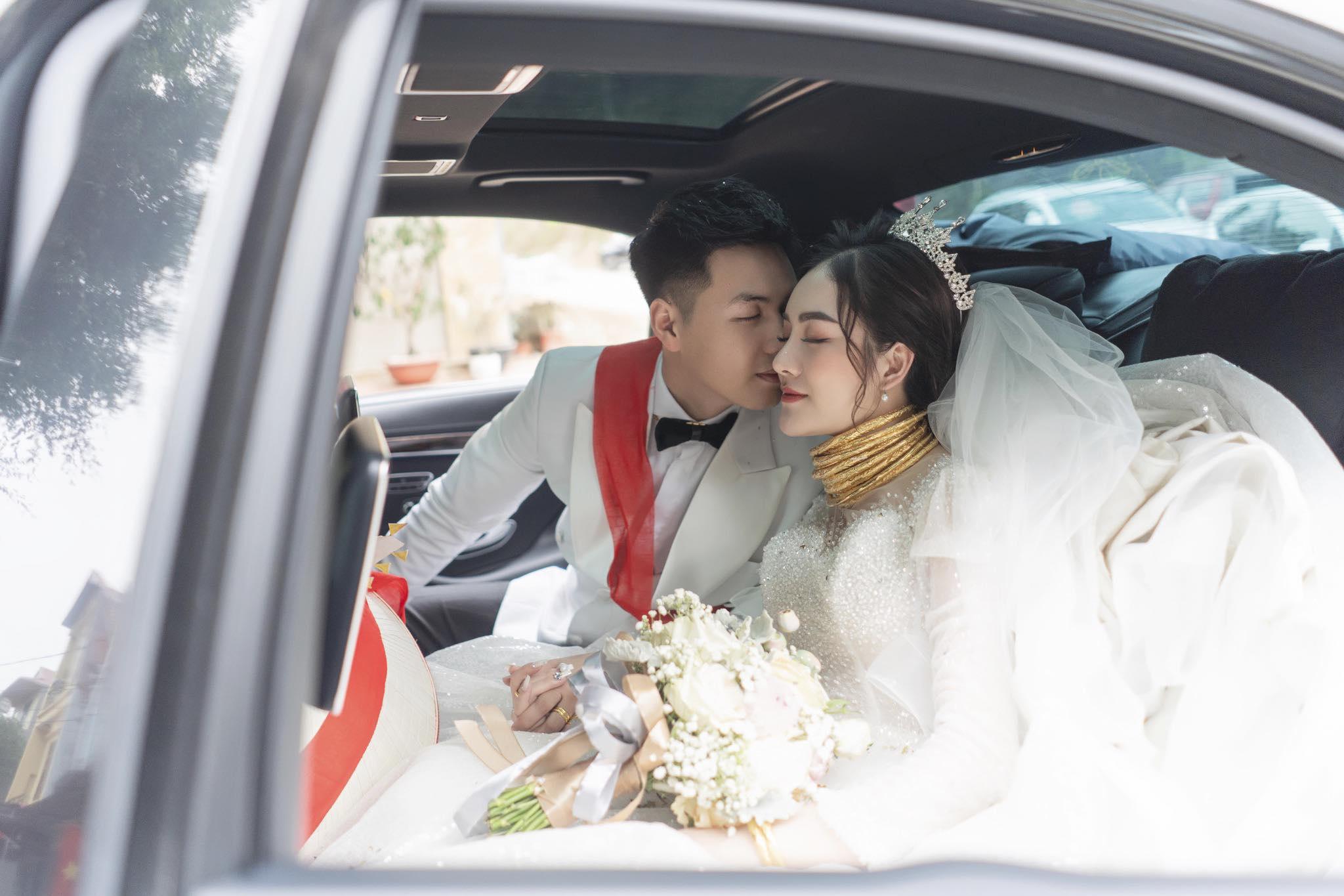 Cô dâu 9X xinh đẹp đeo vàng trĩu cổ, kín tay trong ngày cưới gây sốt mạng - 5